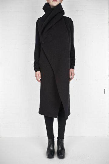 ROwns manteau. Cosy black.