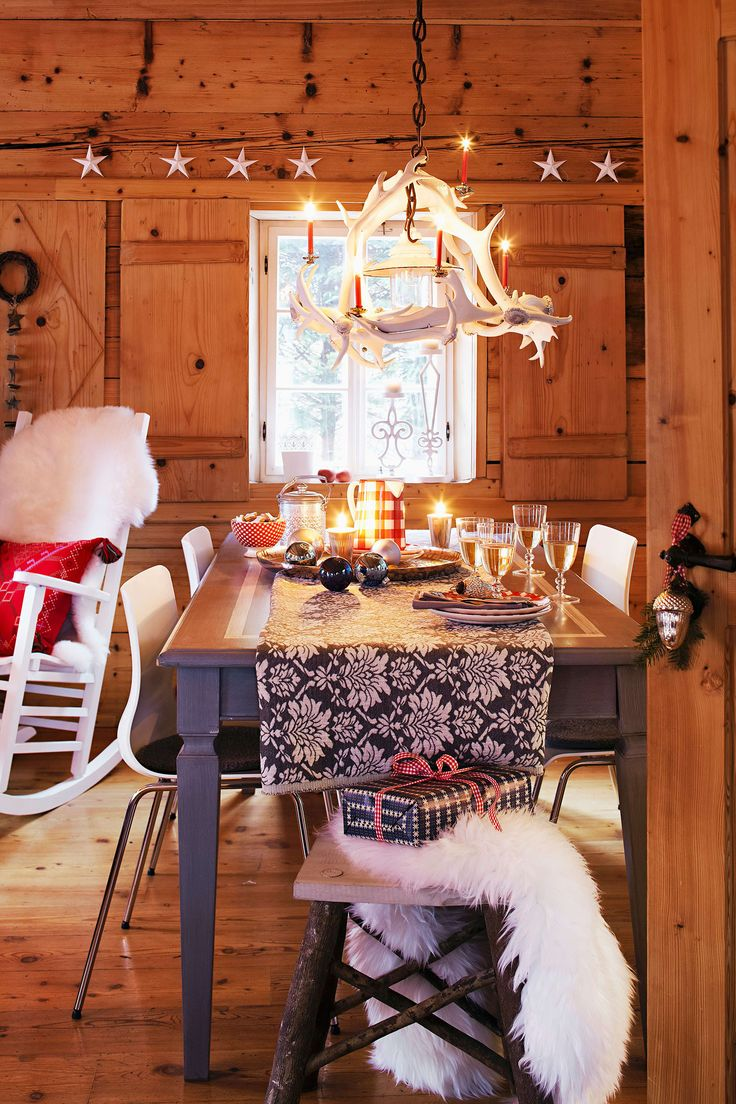 Tavola di Natale Chalet in Montagna