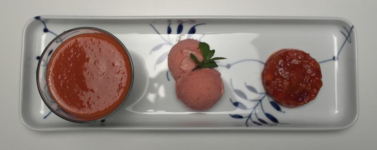 Dairy-free rhubarb dessert - FoodFamily