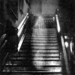 Extraños intrusos: criaturas y fantasmas en fotos y videos caseros