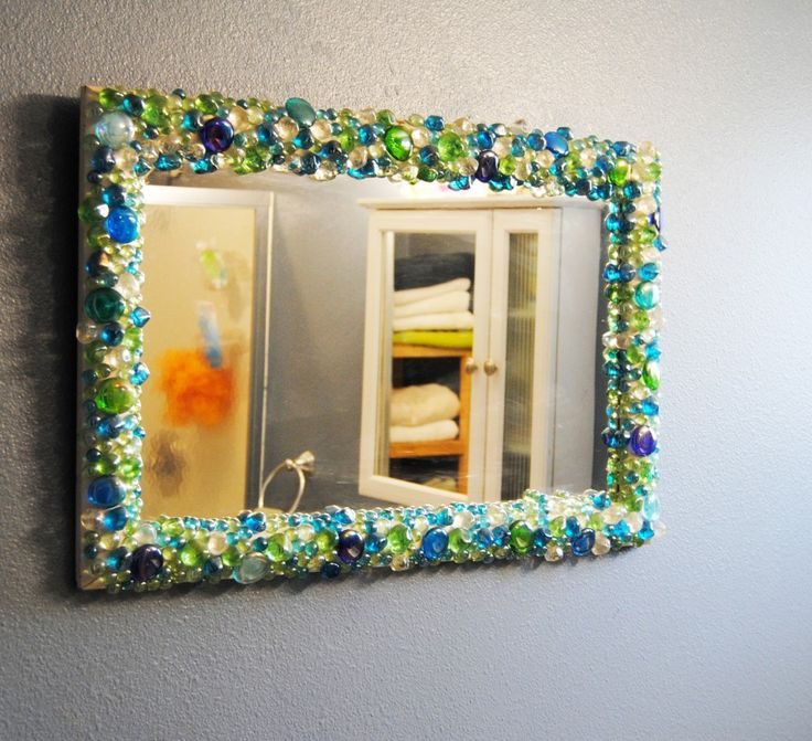 Best 25+ Decorated mirrors ideas on Pinterest | Diy floral mirror ...