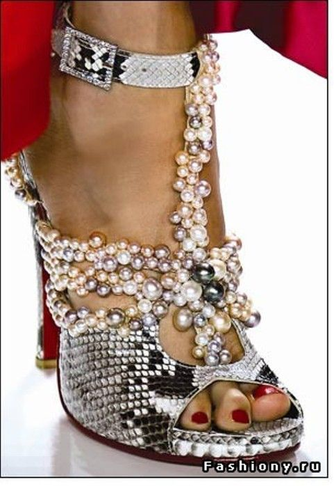 .: Snakes Skin, Fashion Shoes, Wedding Shoes, Pearls Heels, Pearls Shoes, Indigo Girls, Girls Shoes, º º Pearls º º, Bling Bling