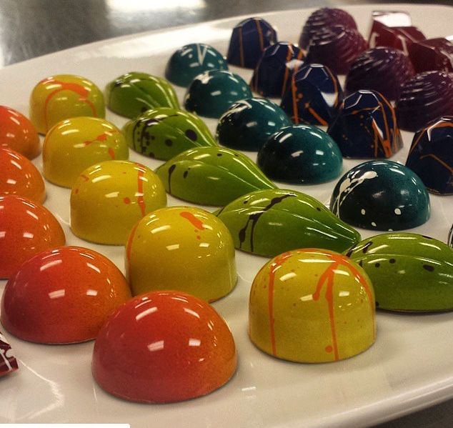 Use our color  and polycarbonate chocolate molds to add that shine to your chocolate!  http://www.shopchefrubber.com/Colored-Cocoa-Butter/