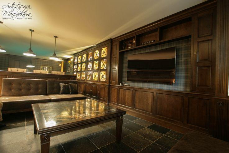 sala telewizyjna styl klasyczny, basement entertainment room, home pub - wykonanie Artystyczna Manufaktura