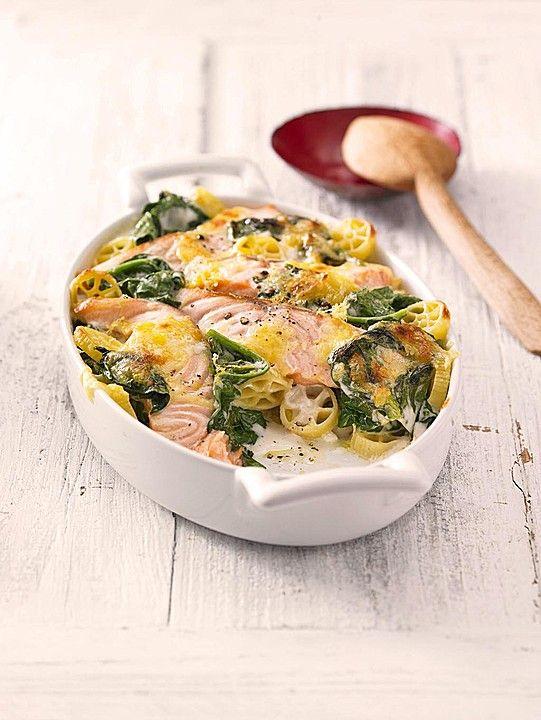 Nudelauflauf mit Spinat und Lachs, ein schönes Rezept aus der Kategorie Käse. Bewertungen: 412. Durchschnitt: Ø 4,3.