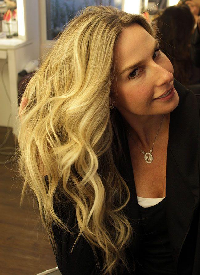 Por onde passa, Mariana Weickert chama atenção por sua beleza e pelos longos…
