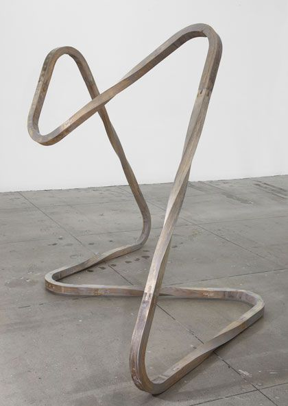 Richard Deacon . aluminium, 2012