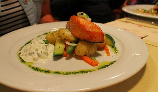 Smoked salmon, yogurt cucumber sauce and new potatoes - simply amazing! El Alba's friendly staff welcomes you and your significant other to enjoy lunch or dinner in a cosy and homely atmosphere. www.visitporvoo.fi