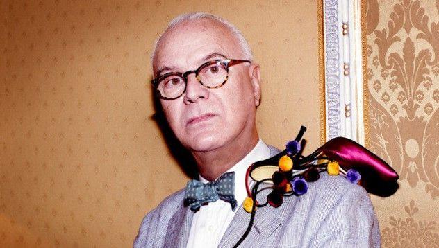 Маноло Бланик създава линия чорапи