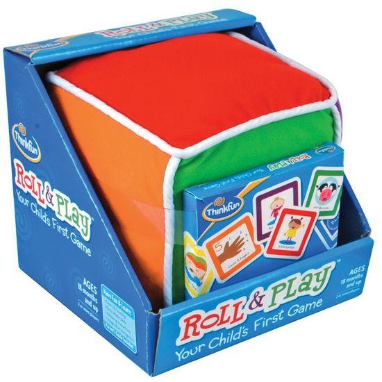 Les bambins font rouler le gros cube en peluche, choisissent une carte correspondante dans une de six catégories et réalisent l'activité simple illustrée. Quel formidable premier jeu