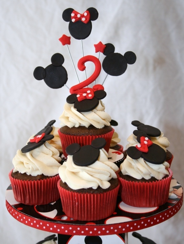 Pictures Of Mickey Mouse Cupcakes : 25+ best ideas about Mickey Cupcakes on Pinterest Fiesta ...