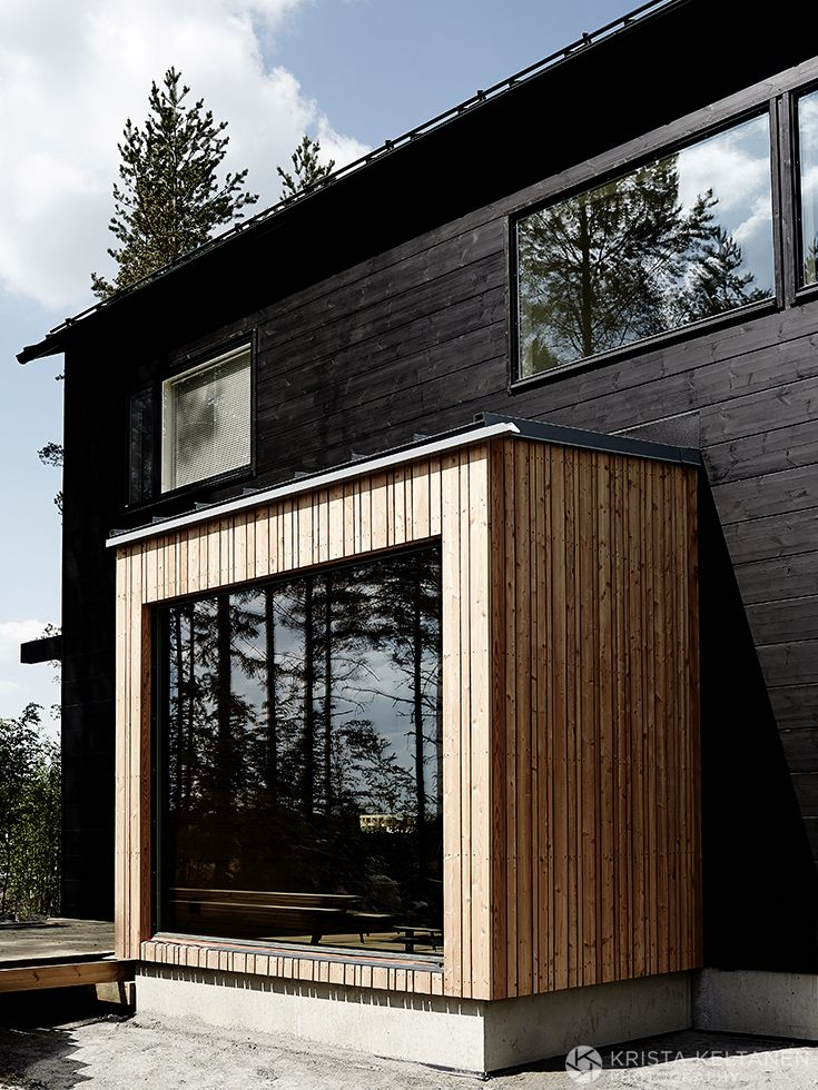 Timber detail - wide and thin, alternating widths