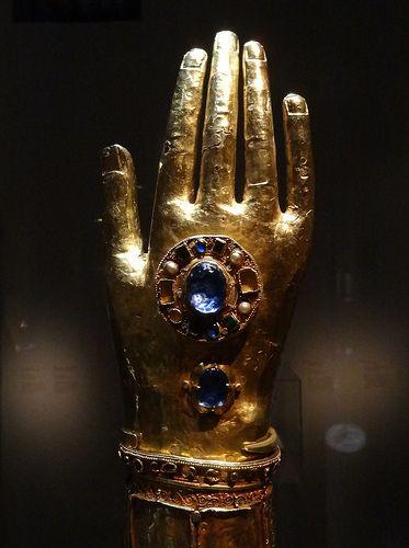 Reliquaire du bras de Saint Blaise 1185-1192 Dubronick treasure,Croatia Musee de Cluny