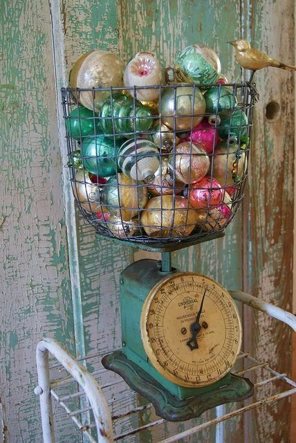 http://shabbyinlove.blogspot.it/2013/12/vintage-christmas.html