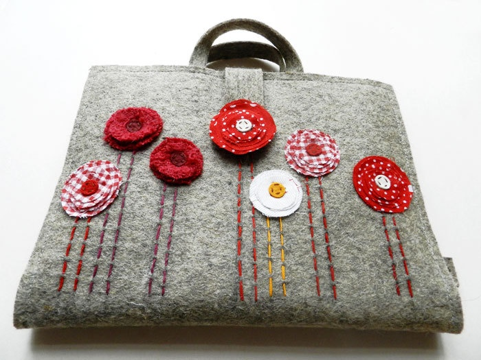 felt tote. Love the red & grey together.