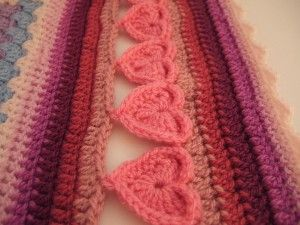 Line of Hearts Crochet Border used by Lucy of Attic24 - I really, really like this one ~ free pattern (pdf) this would be amazing for my wear it pink blanket