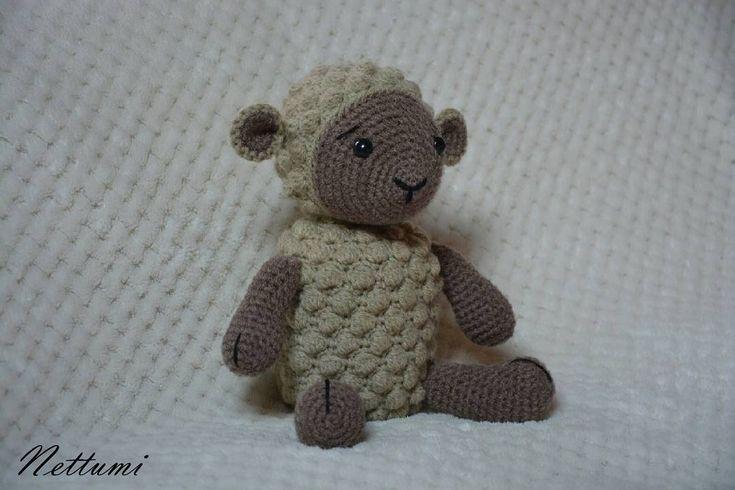 """7 kedvelés, 1 hozzászólás – Anett (@nettumi) Instagram-hozzászólása: """"#amigurumi #crochet #lamb #handmade #horgolt #bárány"""""""