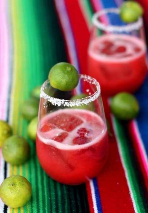 Raspberry and Keylime skinny margarita  Ingredients:  1 pint fresh raspberries (or about 1 cup frozen)  1/2 cup lemon juice  1/3 cup Key lime juice (or 1/2 cup regular lime juice)  1 cup tequila