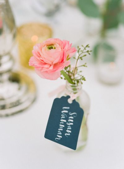 Floral place cards: http://www.stylemepretty.com/minnesota-weddings/minneapolis/2015/01/29/chic-lakeside-country-club-wedding/ | Photography: Jeff Loves Jessica - http://jefflovesjessica.com/