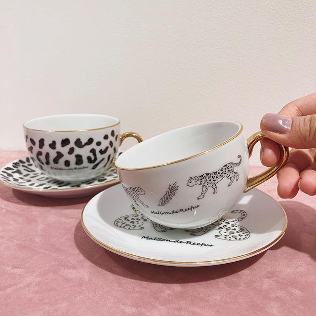 Maisondereefur Kiosque Sale Item レオパード柄が印象的なカップとソーサーです ゴールドの縁取りがポイント こちらも只今セール価格の30 オフとなっております Leopard Motif Saucer Leopard Saucer 各2 50 ティーカップ カップ ソーサー