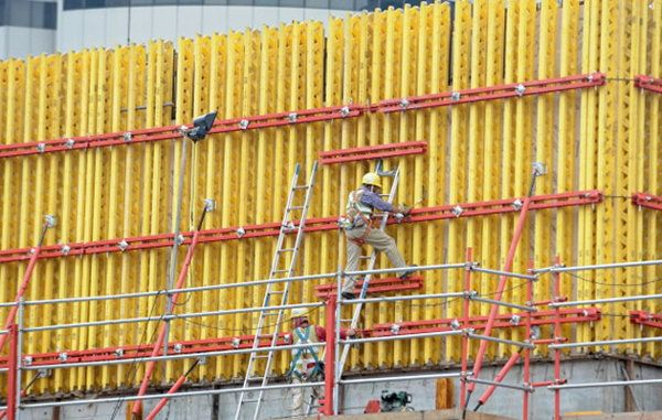 Spate of deaths from workplace accidents 'not tenable': Tan Chuan-Jin - Yahoo News Singapore