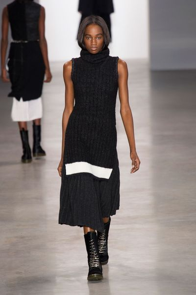 NYFW FW 2014/15 – Calvin Klein Collection. See all fashion show on: http://www.bmmag.it/sfilate/nyfw-fw-201415-calvin-klein-collection/ #fall #winter #FW #catwalk #fashionshow #womansfashion #woman #fashion #style #look #collection #NYFW #calvinklein