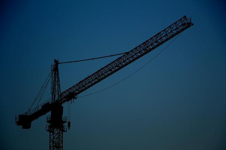 🌈 Device Crane Lifting device - new photo at Avopix.com    🆕 https://avopix.com/photo/10798-device-crane-lifting-device    #device #crane #lifting device #construction #sky #avopix #free #photos #public #domain
