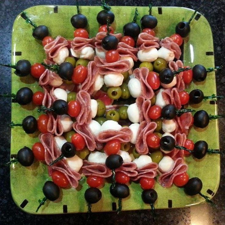 I took this to a work luncheon and it disappeared in minutes. This is a great idea for buffet situations, since it is served individually and is easily eaten, even while juggling a plate. You could also add fresh basil leaves and drizzle the entire plate with Balsamic vinegar.