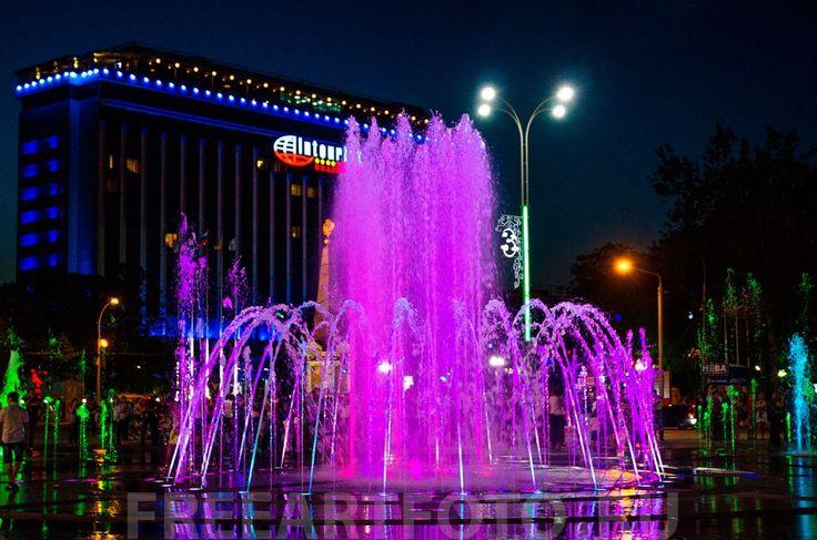 """""""Поющий фонтан"""". Театральная площадь. Краснодар."""