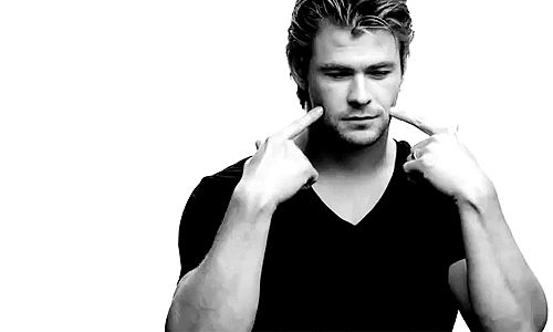 Does this GIF of Chris Hemsworth smiling adorably make your ovaries explode? | Can You Make It Through This Post Without Your Ovaries Exploding?