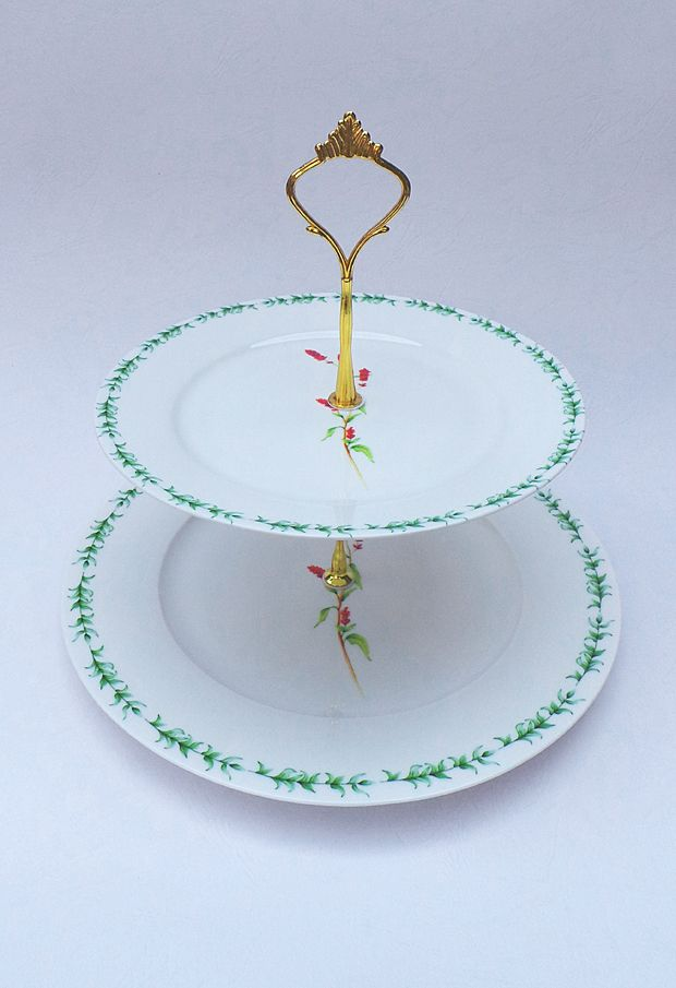 Marrieta 2 tier cake stand.