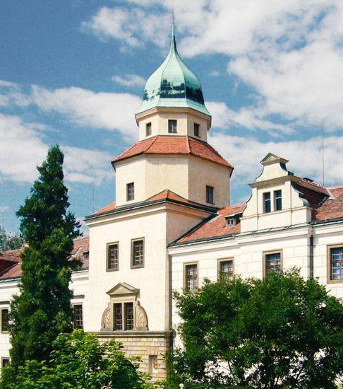 Zámek Častolovice   soukromý renesanční zámek