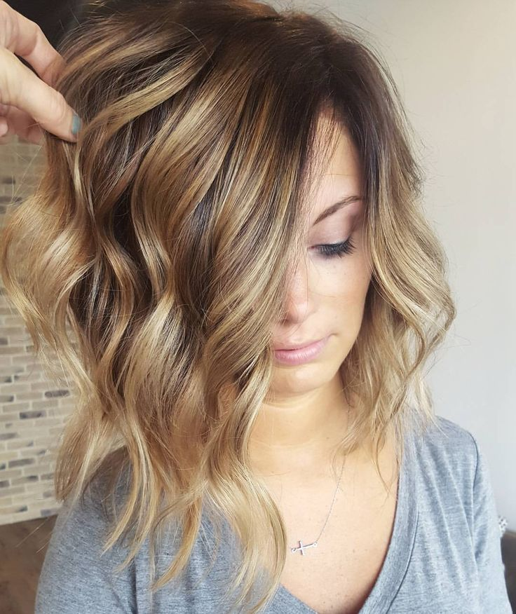 """4,731 Likes, 112 Comments - Mika at The Boulevard Hair Co. (@mikaatbhc) on Instagram: """"《 favorite balayages》 H O N E Y LOB ❤ ( The melt from the root shadow to the honey is so gorgeous)…"""""""