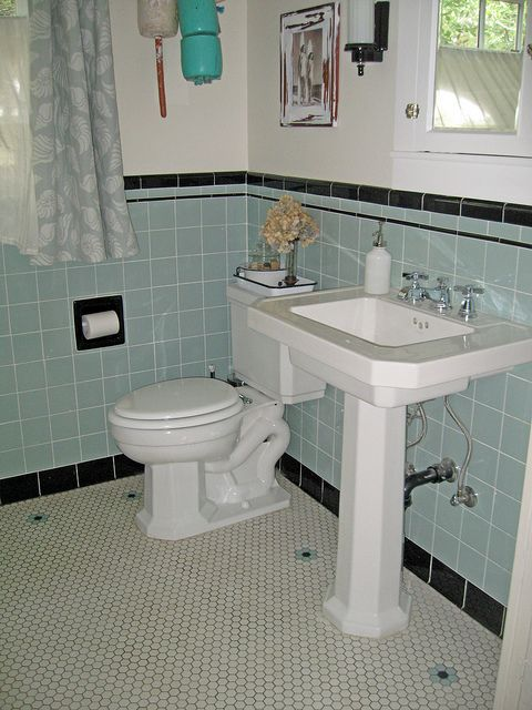 gorgeous blue and black retro bathroom redo - Retro Bathrooms