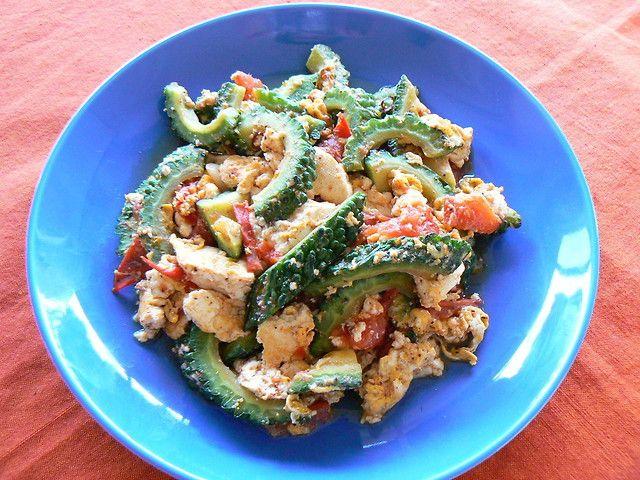 野菜と豆腐のみでカロリー控えめなチャンプルーをイタリアンに☆玄米ごはんに乗せて丼ぶりでいただきます!
