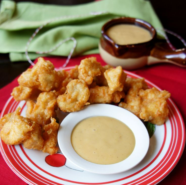 Chick-Fil-A nuggets and sauce