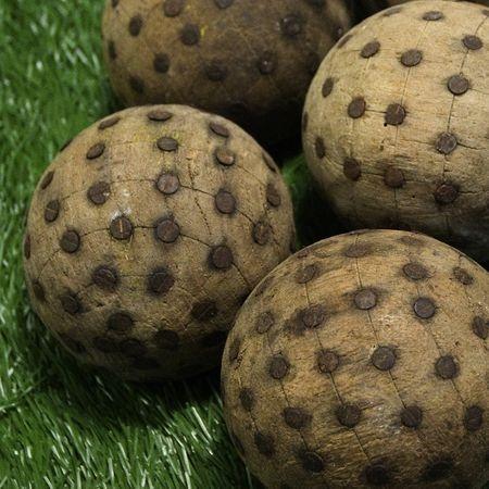 Les premières boules de pétanque