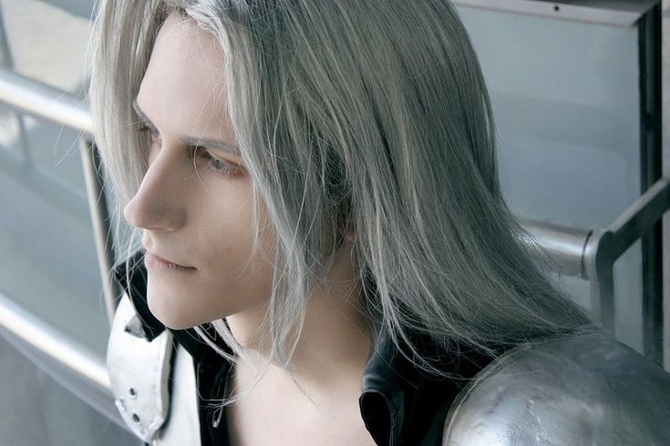 Sephiroth - Daydreaming - wow awesome cosplay...