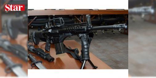 """Kale Kalıp: 5-56 Piyade Tüfeği'nde seri üretime geçildi ilk teslimatlar birkaç ay sonra başlıyor: Milli Piyade Tüfeği (MPT-76)'nin üreticisi Kale Kalıp IDEF 2017'de görücüye çıkarttığı 5-56 Piyade Tüfeği büyük beğeni topladı. 5-56 Piyade Tüfeğinin TSK envanterine Haziran sonunda girecek. Kale Kalıp Genel Müdür Yardımcısı Murat Han kısa ve uzun menzilli olarak üretimin yapıldığı belirtti.   Toprak, """"Susturucu takabilme özelliği bulunan 5-56 dakikada 800 mermi atma özelliğine sahip. Ön büyük…"""