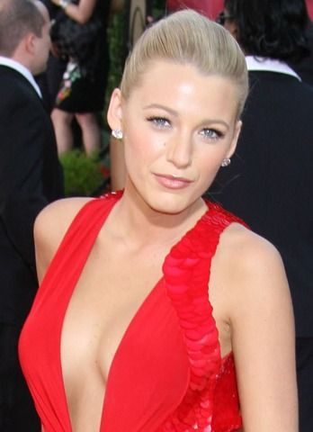 blake lively red dress makeup - photo #6
