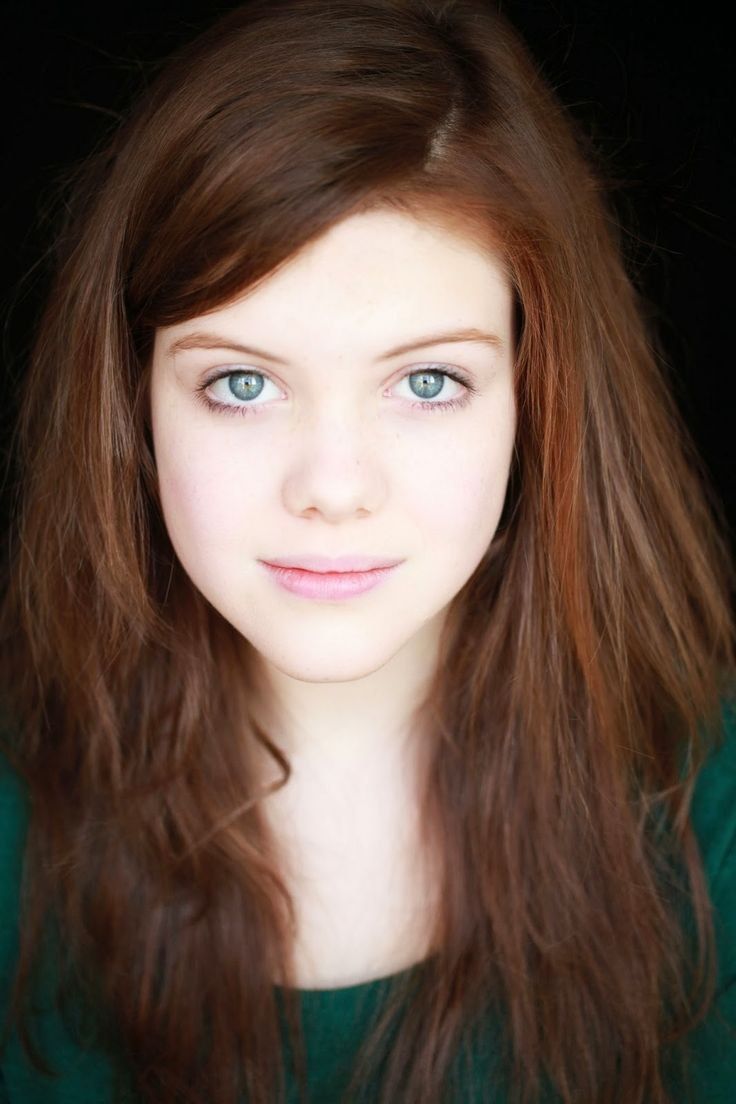 Georgie Henley Nude Photos 35