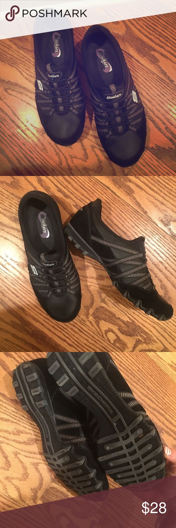 Sketchers Sneakers ❤️ New and never worn before but no tags. The sketcher sneakers are so cute and perfect just to slip on and go anywhere they are black which allows them to go with any outfit. They are a size 7 in women's. Skechers Shoes Sneakers