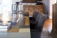 Table from recycled materials http://www.woonstijl.nl/binnenkijkers/landelijk/denk-groot-ga-voor-stoer_58/
