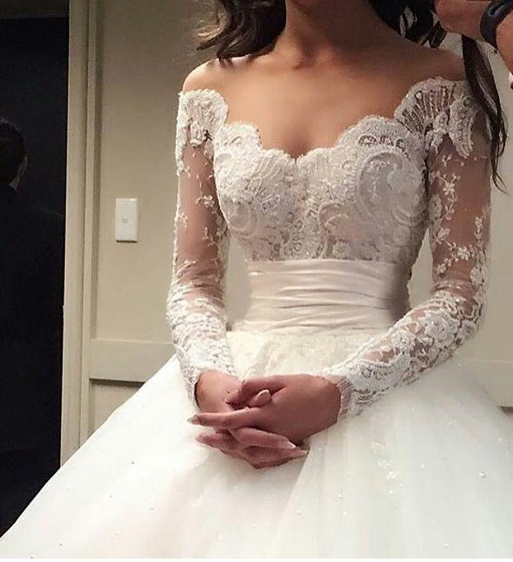 """225 Beğenme, 6 Yorum - Instagram'da Gelin Gelinlik Düğün (@beyazhayaller): """"Sonbahar-Kış gelinleri için güzel bir seçenek olabilir ❤️    #wedding #bride #bridetobe #ask…"""""""