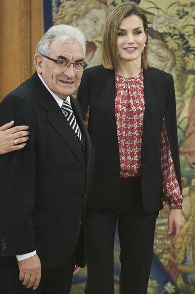 La Reina Letizia se reunió con una representación de la Fundación Secretariado Gitano. En la foto Doña Letizia con presidente de la Fundación Secretariado Gitano, Pedro Puente Fernández. 01.08.2016
