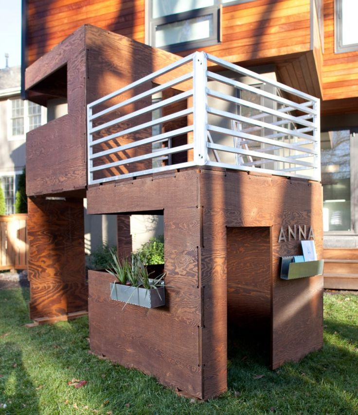 Play Modern 2Cuba - Super Sweet Modern Playhouse - I'd even take a full-size version of this house!