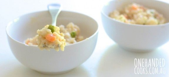 CHICKEN, SWEEET POT, PEA RISOTTO: Here's a simple risotto recipe that the while family can enjoy. Try rolling the finished risotto into little bite sized balls - toddlers love the easy finger food. #onehandedcooks