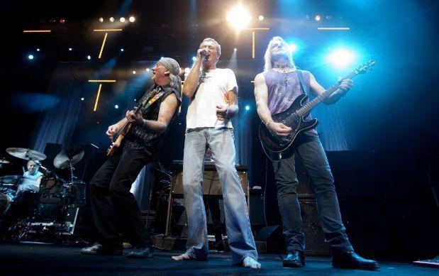 Los gruposDeep Purple, Cheap Trick, NWA, Chicago y Steve Miller Band fueron los cinco nombres de músicos seleccionados para ingresar en 2016 al Salón de la Fama del Rocken su 31 edición.