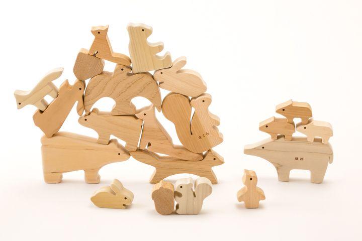 全国5000人以上のおもちゃコンサルタントがおすすめするグッドトイを中心に赤ちゃんから高齢者まで楽しめるおもちゃを揃えたミュージアムショップです。幼稚園・保育園でのご利用やリハビリや介護に役立つおもちゃも揃えております。おもちゃ作家によるハンドメイドの木のおもちゃもあります。