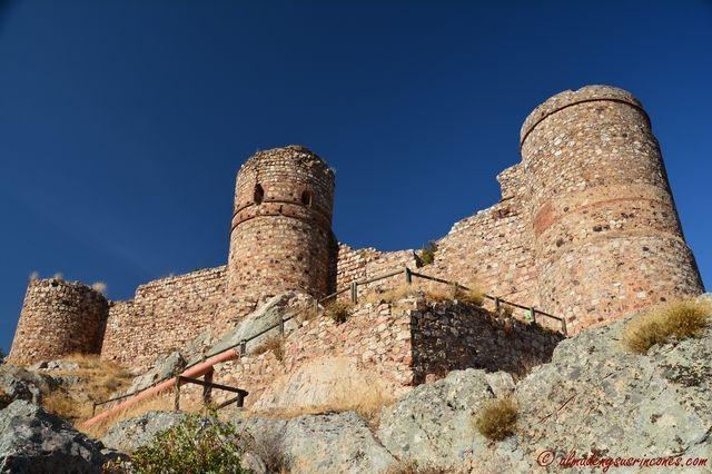 Castillo de Capilla y excavaciones.